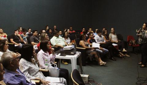 55 pessoas participam no Fórum Clóvis Beviláqua de curso preparatório para adoção