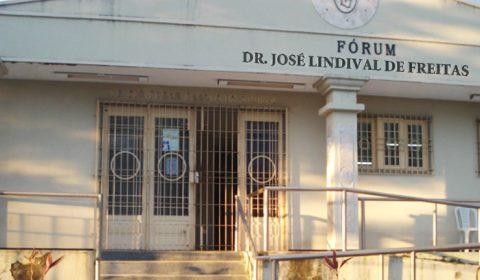 Juiz afasta servidor por suspeita de conduta irregular