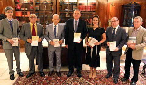 Conselho Editorial lança Revista, livro e regimento interno das Turmas Recursais