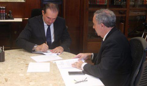 Presidente do TJCE assina contrato para construir novo Fórum de Uruburetama