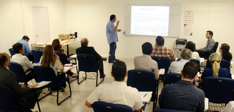 NatJus realiza curso sobre liminares com foco em demandas de saúde durante o recesso