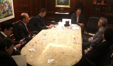 Desjudicialização de ações fiscais é tema de reunião entre TJCE e Aprece
