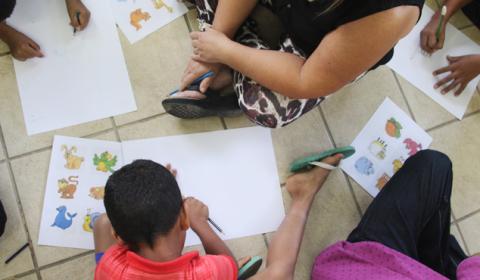 Crianças e adolescentes acolhidos participam de atividades com pretendentes à adoção