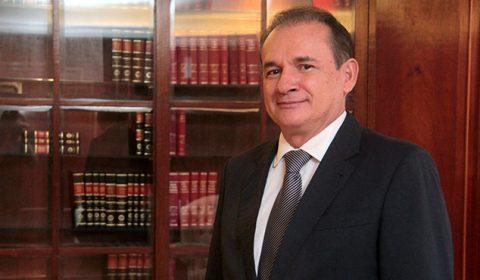 Desembargador Washington Araújo receberá título de cidadão cearense da Assembleia Legislativa