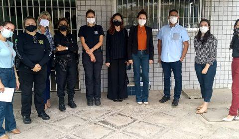 Situação das mulheres presas é debatida durante visita ao Instituto Penal Feminino