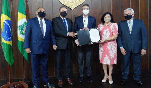 Sancionada lei que conclui etapa do projeto de modernização do Judiciário cearense