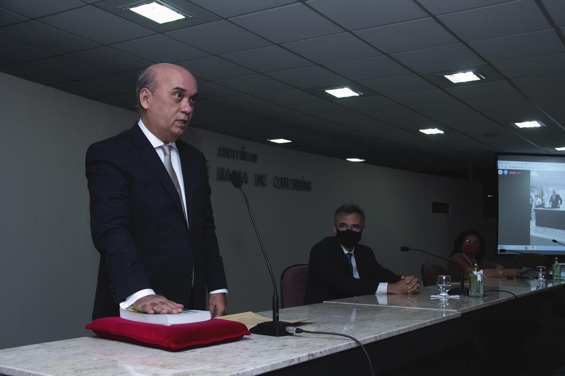 Des. Luciano Lima Rodrigues assume direção da Esmec