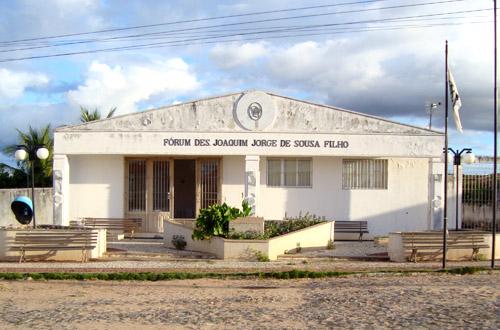 Juiz condena ex-secretária de Educação de Quiterianópolis por improbidade administrativa
